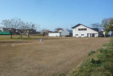 金谷運動広場のグラウンドゴルフ場 付近にクラブハウスがある